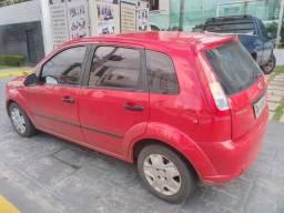 Fiesta vermelho