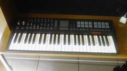 Korg Triton Taktile49 com aparencia de novo, aceito teclado com falantes
