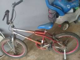Vende se essa bicicleta