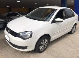 Polo Sedan 1.6 branco 2014 Completo