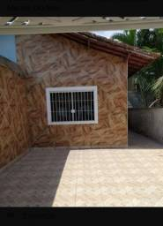 Linear com Garagem, 2 Quartos, área de serviço.