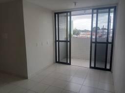 Apartamento para alugar no Geisel c/ 02 quartos e varanda