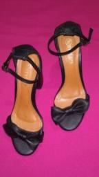 Sandália salto grosso stylu's