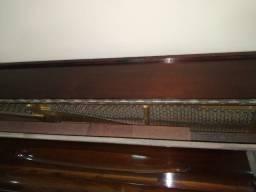Piano Alemão Buethner muito antigo.