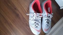 Chuteira de trava Nike