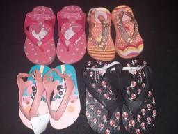 Sandália,  Tênis,  Chinelinhos e Bota para menina.