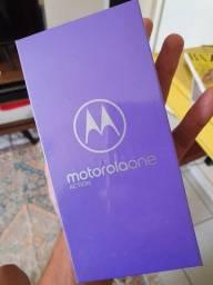 Motorola One Action NOVO LACRADO