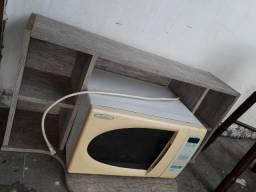 Armário suspenso.  60 reais