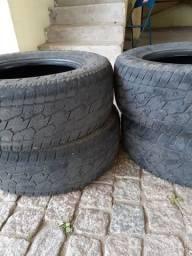 Vendo 4 pneus para hilux
