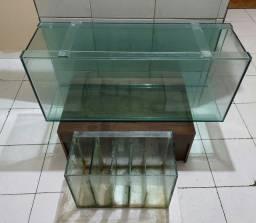 Vendo aquário grande (1,20 X 49 X 40) com sump / vendo separadamente também.