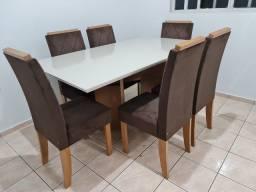 Mesa com 6 cadeiras aveludada luxo no Pregão 2 Irmãos