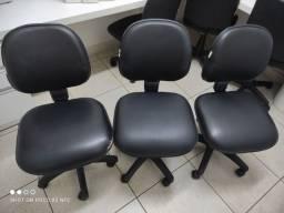 3 cadeiras em perfeito estado abaixa e sobe