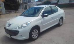 Peugeot 207 1.4 XR Passion 8V 2011 2° Dona Completo Impecável