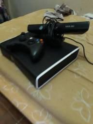 Xbox 360 vendo por 350