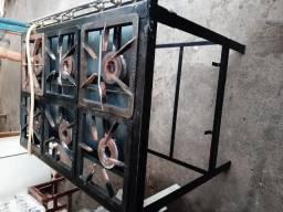 Fogão industrial de 6 bocas , com apenas 2 meses de uso