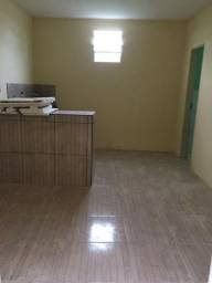Aluga-se apartamento com 1 quarto e 1 banheiro!