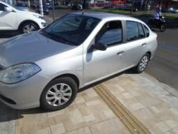 Renault Symbol 1.6 manual completo *placa i - 2010