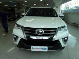 Toyota Hilux sw4 srv gasolina 2.7 7 lugares tiago * - 2019