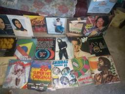 80 discos de vinil antigos