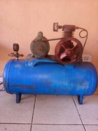 Compressor de ar com balão