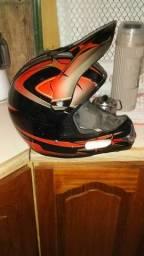 Vendo capacete de trilha