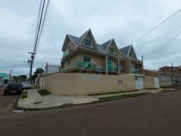 Sobrado triplex a venda no bairro Sítio Cercado, com 3 quartos, localizado entre o Superme