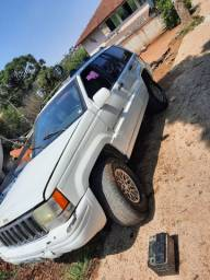 Cherokee V8