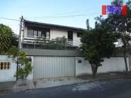Casa com 8 quartos à venda no bairro Vila União