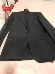 Conjunto de paletó,calça e gravata.