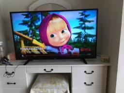Tv LG 49 polegadas + Chromecast + Suporte para parede