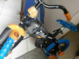 Bicicleta Hot weells aro 12 OTIMO PRECO!!!