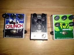 (Pedal Oggro, guitartech)  (Pedal Crunch, EFX pedais) (Pedal Fuzz Industry, EFX pedais)