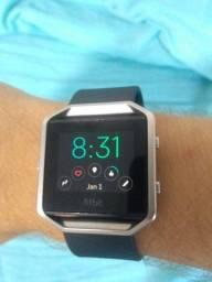 Smart watch - fitbit blaze. Troco por celular.