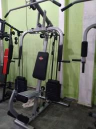 Estação de musculação novas