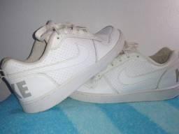Tênis Nike n°37 em ótimo estado!!!