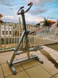 Elíptico equipamento de exercícios