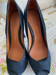 Título do anúncio: Sandália preta /azul