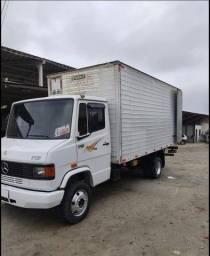 Título do anúncio: caminhão mercedes bens 710plus 2006