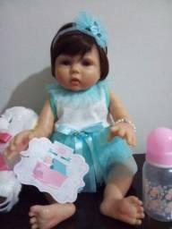 Linda boneca reborm TM 48m com acessórios