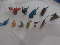 Dinossauros com 12