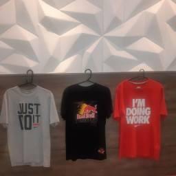 03 camisas originais tamanho M usadas 120 reais