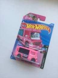 Hot Wheels barbie 2021