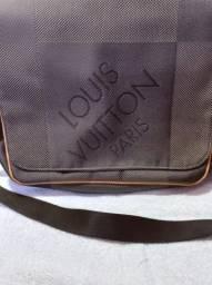 Bolsa Louis Vuitton Petit Messager Terre