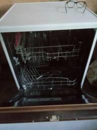 Vendo está maquina de lavar louças