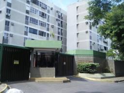 Apartamento com 2 dormitórios para alugar, 70 m² por R$ 900,00/mês - Torre - Recife/PE