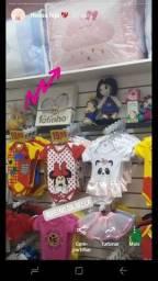 Lote de roupas e acessórios infantis para loja