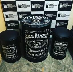 Kit 2 banquetas e um tambor Jack Daniels