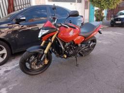 Hornet 2012 vermelha