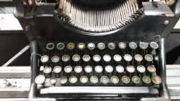 Máquina escrever antiga Underwood