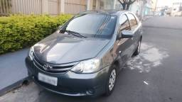 Vendo Etios Sedan 2015